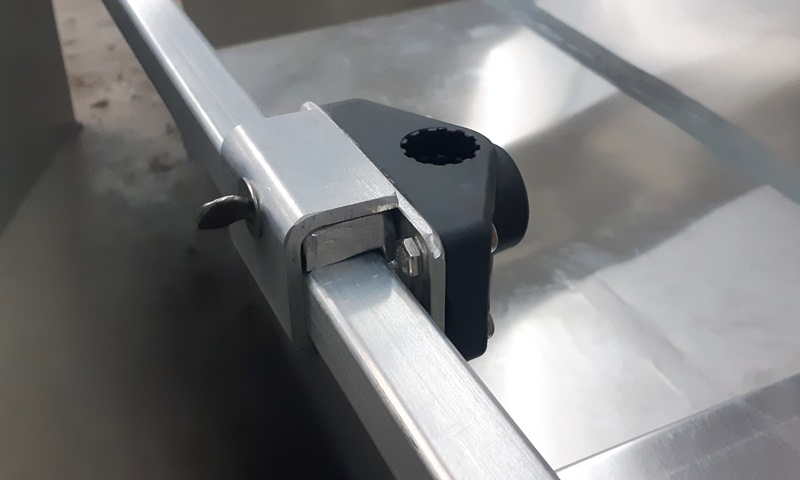 Infinite Position Mounting System - SS Thumb Screw